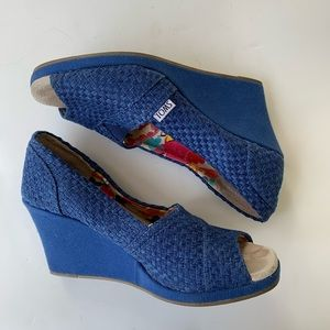 Toms | Blue Woven Peep Toe Wedges Size 8